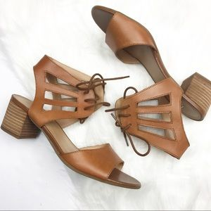 NWOT Franco Sarto Flourish Block Heel Sandals.